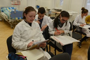 Baziliánky učia budúcich zdravotných asistentov