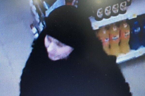 Zisťujú totožnosť  tejto ženy, ktorú zachytila kamera.