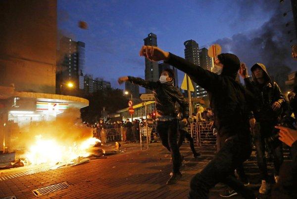 Násilné protesty v Hongkongu.