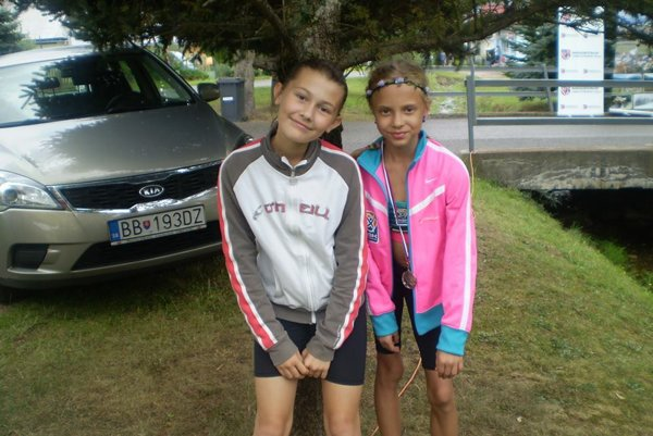 Zľava Hana Husenicová a Barbora Brnáková.