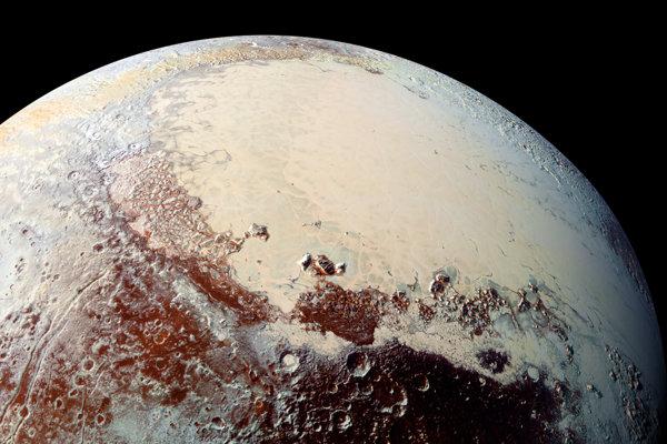 Planina Sputnik na Plute je bohatá na ľady z dusíka, metanu a oxidu uhoľnatého.