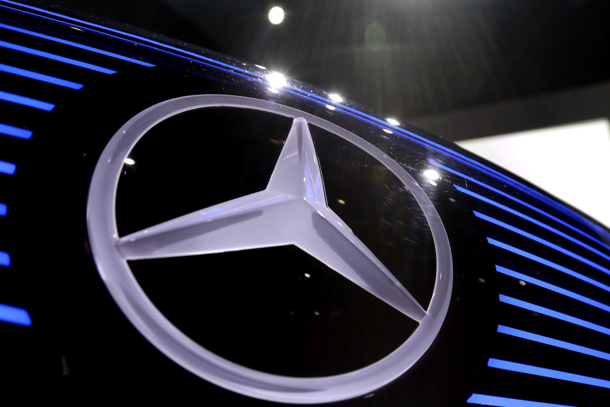 Nemecká vláda dala Daimleru dva týždne, aby objasnil emisný škandál - ekonomika.sme.sk