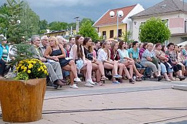 Na sobotňajšie predstavenie prišlo veľa ľudí.