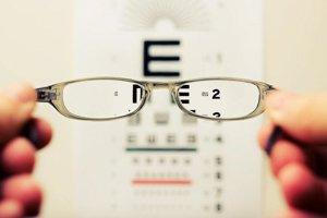 V génoch našli spojenie medzi zlým zrakom a inteligenciou.