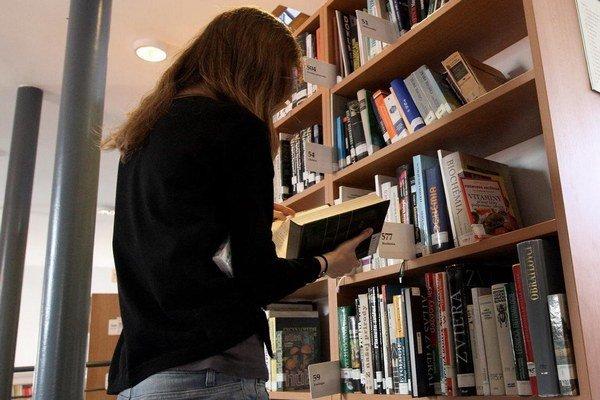 Pri revízii skontrolovali 185-tisíc kníh.