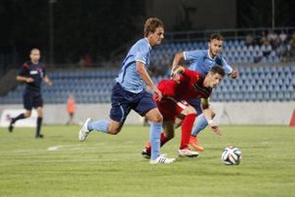Paukner (vľavo) tesne pred druhým gólom.