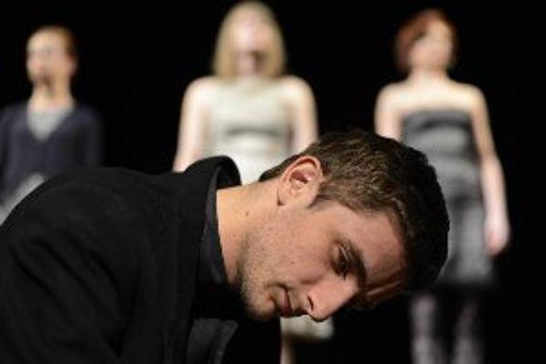 V hlavnej úlohe Henricha Modrofúza sa predstaví Michal Režný.
