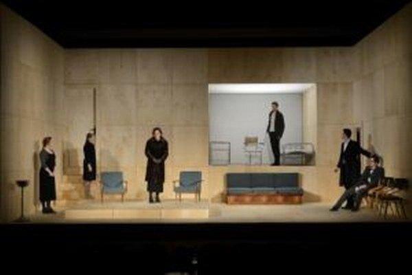 Zločin a trest v žilinskom divadle. Dostojevského hra bola najnavštevovanejšia, ale aj najstratovejšia.