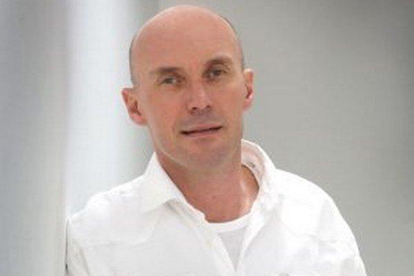 Primár Richard Hrubý. Patrí medzi slovenskú špičku medzi lekármi.