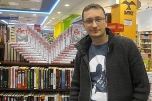 Spisovateľ Jozef Karika. Práca na knižnej ságe Na smrť mu trvala štyri roky.