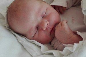 Ema Jánošíková (3590 g, 48 cm) sa narodila 25. mája Erika a Jurajovi z Hrádku. Je to ich prvé dieťa.