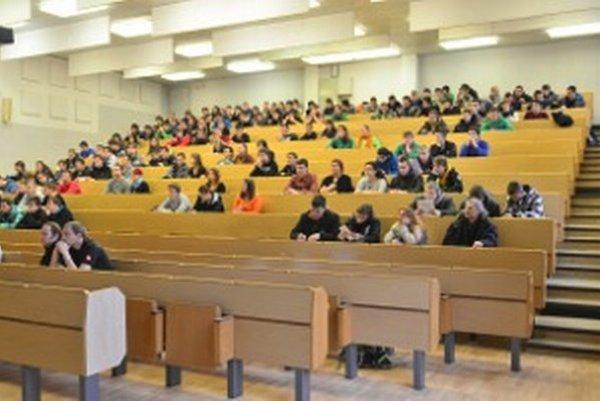 Účastníci si vypočuli prezentácie o fakultách aj študijných programoch.