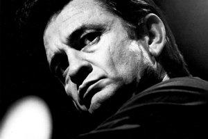 Johnny Cash (26. február 1932–  12. september 2003) bol jeden z najznámejších amerických country spevákov a skladateľov.