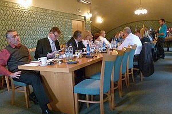 Poslanci sa zamýšľali nad vhodnosťou dátumu veľkonočného jarmoku.