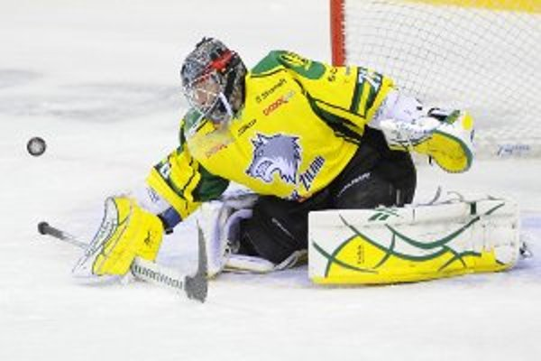 Zápas 11. kola hokejovej Tipsport extraligy HC Slovan Bratislava - MsHK Žilina, 14. októbra 2011 v Bratislave. Na snímke brankár Žiliny Marek Laco.