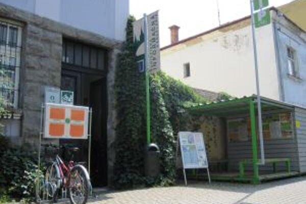Turistická informáčna kancelária zanikne 31. decembra tohto roku. Včera o tom rozhodli žilinskí poslanci.