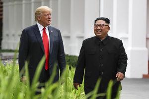 Trump s Kimom po pracovnom obede.