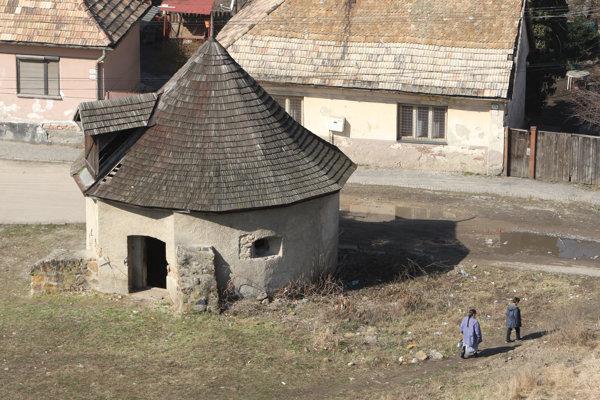 Historická bašta pod Fiľakovským hradom.