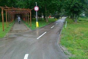 Nový chodník už slúži cyklistom.