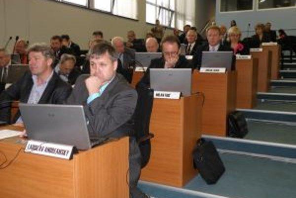Poslanci Žilinského samosprávneho kraja odvolali 46 riaditeľov