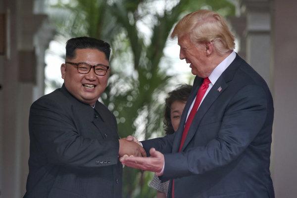 Severná Kórea naďalej predstavuje mimoriadne riziko, vyhlásil Trump