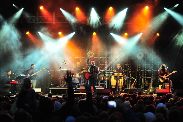 Užite si jedinečné turné kapely IMT Smile na najväčších slovenských amfiteátroch s nezabudnuteľnou atmostérou pri západe slnka.