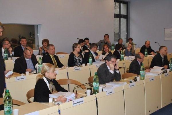 Prešovskí poslanci sa zišli na mimoriadnom rokovaní.