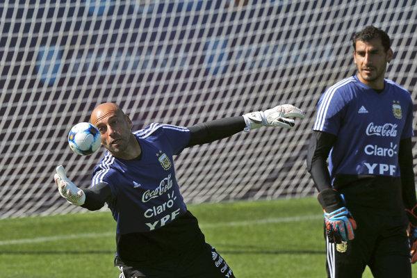 Willy Caballero (vľavo) a Nahuel Guzmán.