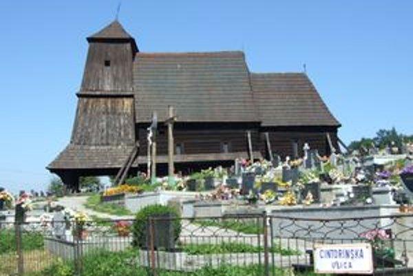 Drevený kostol v Trnovom je na Slovensku najzápadnejšie položeným dreveným kostolom.