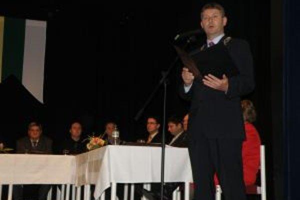 Miroslav Minárčik (nezávislý, na kandidátke SMER-SD)nahradil vo vedení mesta po 12 rokoch Petra Korca.