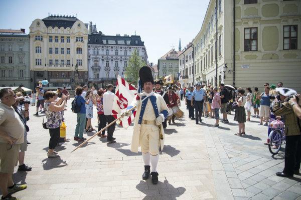 Spor týkajúci sa slávnosti v Bratislave stále pretrváva.
