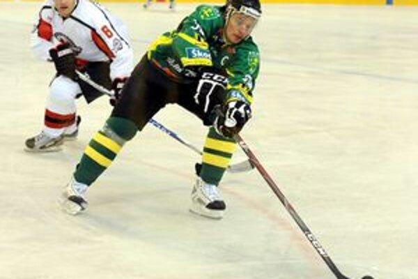 V niektorých prípravných zápasoch nosí kapitánske céčko Michal Hreus.