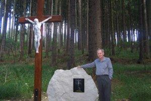 Ladislav Martinček pri krížovej ceste, ktorú cez víkend vysvätia.