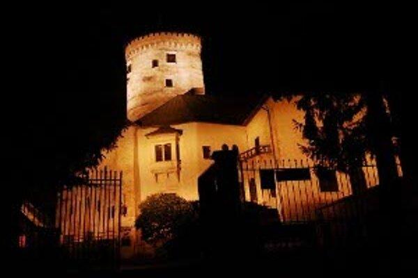 Skúška osvetlenia Budatínskeho hradu.