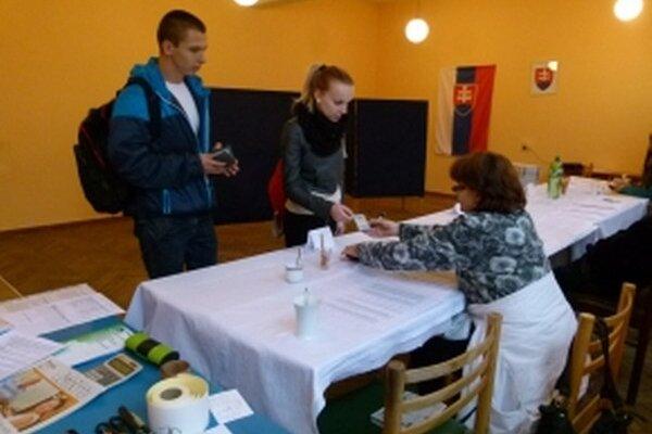 Veronika a Patrik z Dubnice nad Váhom si čas na voľby našli.