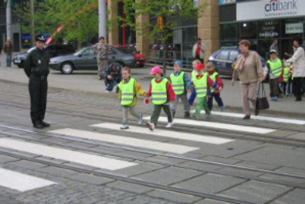 Vo štvrtok sa policajti zamerajú na bezpečnosť detí.