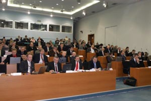 Prvé slávnostné zasadnutie novozvoleného zastuptiľstva ŽSK sa uskutoční v pondelok 7. decembra v Bytči.