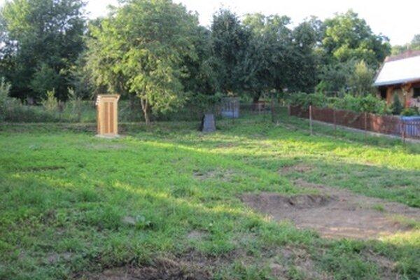 Na väčšine záhrad v obci sa už kompostéry nachádzajú.