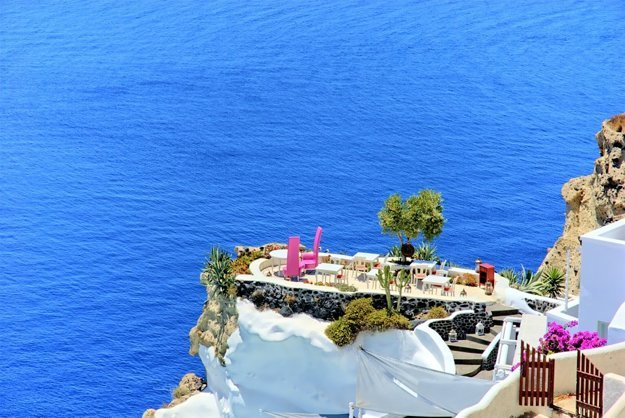 Romantika na Santorini.