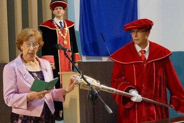 Slávnostná promócia tohtoročných absolventov Univerzity tretieho veku na Technickej univerzite vo Zvolene.