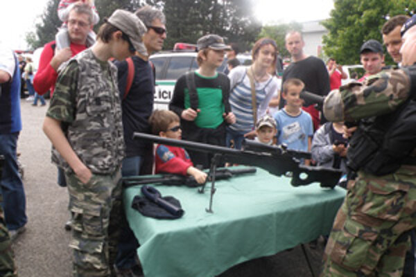 Deň polície bol tak trochu aj dňom detí.