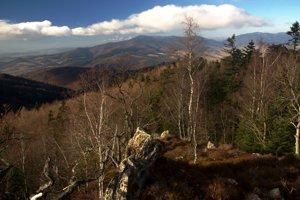 Menej známy pohľad z Koľveku na Tatry a Branisko.