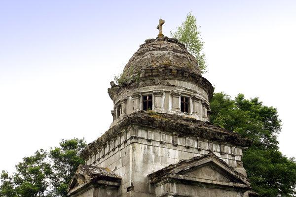 Vzácnu hrobku, ktorá je národnou kultúrnou pamiatkou sa podarí zachrániť.