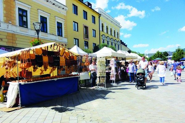 Počas slávností Nitra, milá Nitra bude aj tradičný Nitriansky jarmok. Bude na pešej zóne aj na Pribinovom námestí.