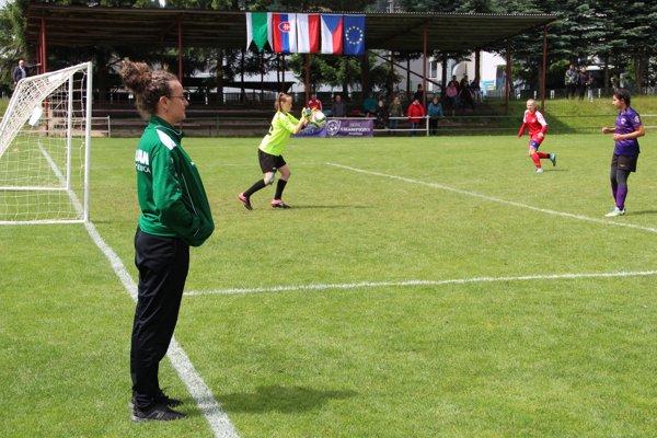 Andrea Hvoľková si celý zápas na turnaji nikdy nepozrie.