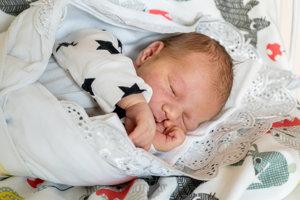Emília Mišunová (3720g, 51cm) sa narodila 24. júna Martine a Danielovi z Pruského. Na brata sa teší Daniela.