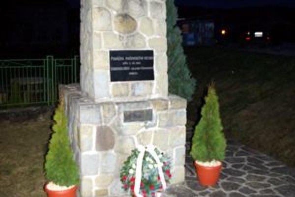 Pamätník v Kotešovej.
