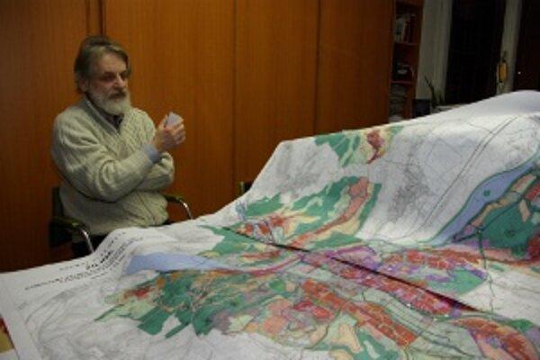 Vladimír Barčiak nad svojím dielom hovorí, že plán dokončí tento rok určite.