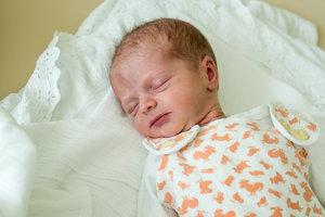 Klára Imrichová (2340g, 48cm) sa narodila Katke a Martinovi z Omšenia. Doma už majú Daniela.