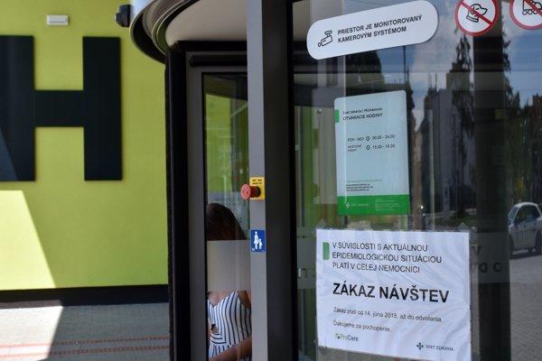 Kvôli epidémii osýpok zakázali v michalovskej nemocnici návštevy.